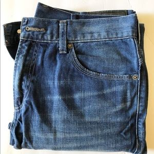 LEVIS 511 Zipper Front, Double Pockets in back.